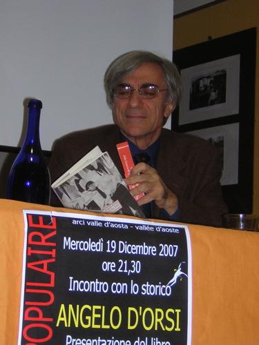 Il professor Angelo D'Orsi all'espace populaire